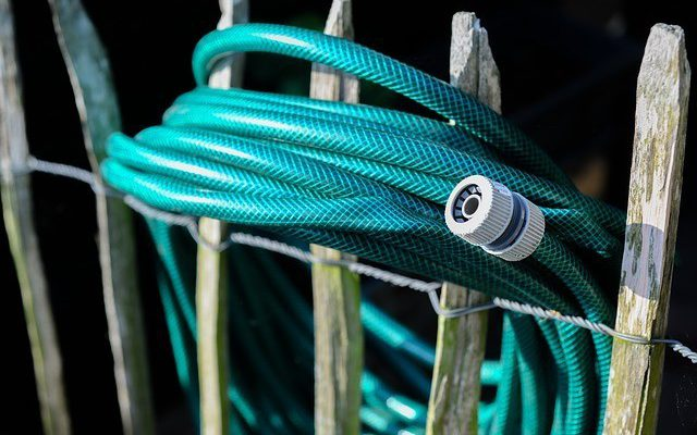 How To Stop A Garden Hose From Kinking