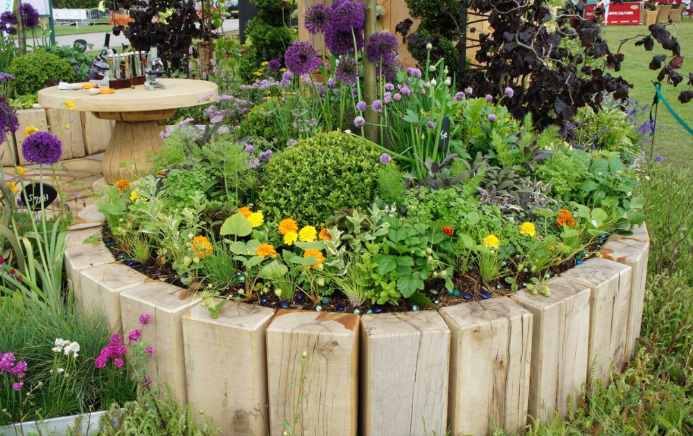 The plank round raised bed.