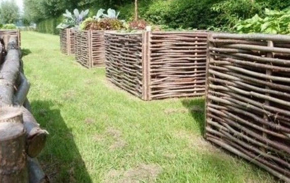 Four box shapes of wattles raised beds.